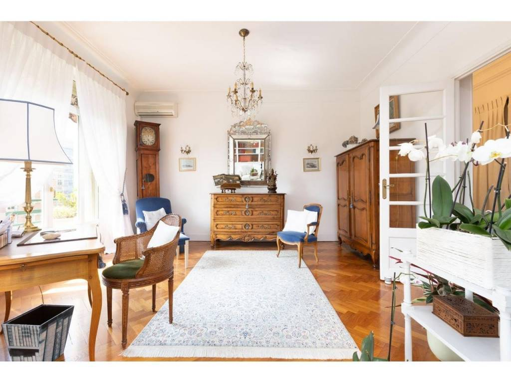 Appartement  3 Rooms 94.75m2  for sale   695000 €