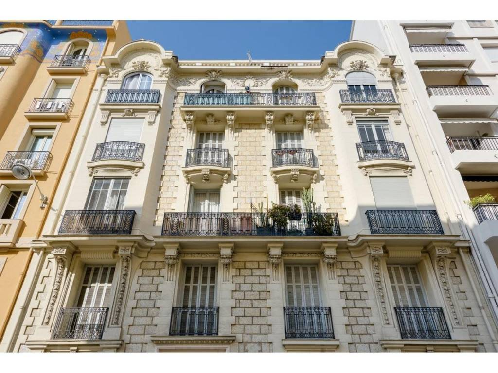 Appartement  3 Rooms 98.85m2  for sale   469000 €