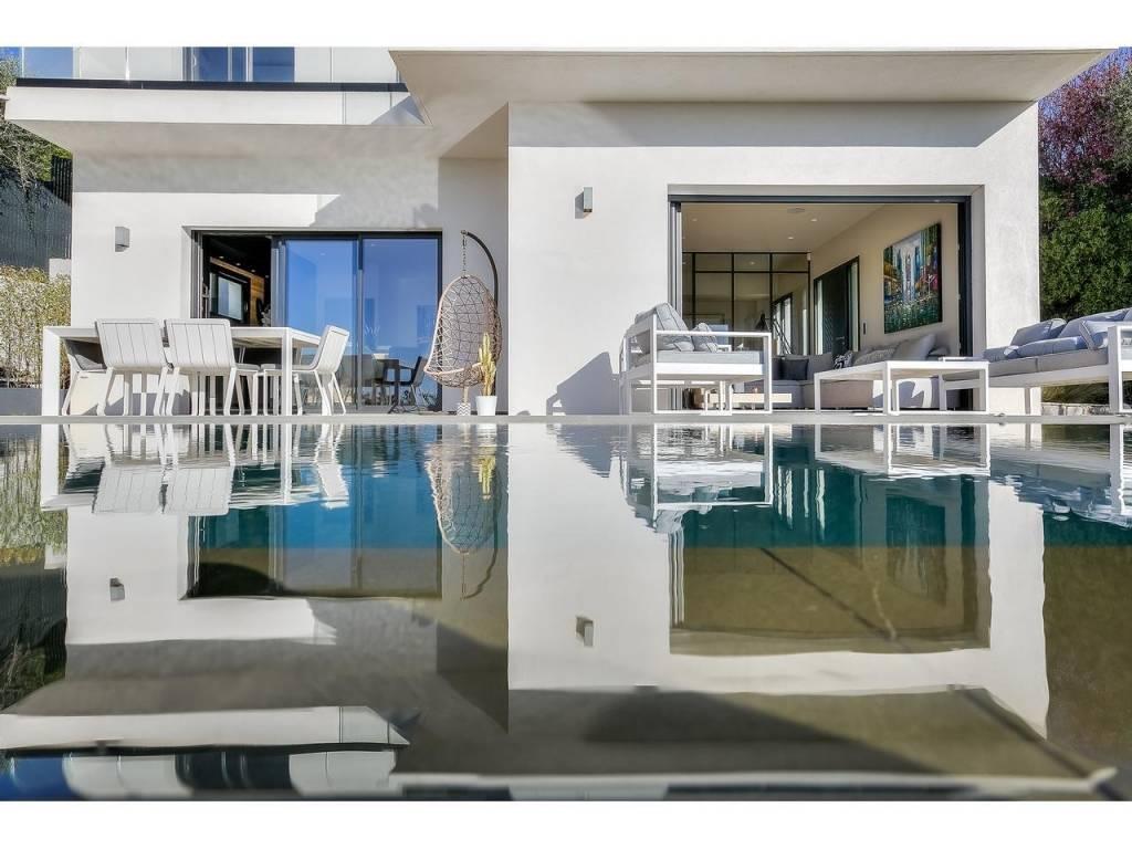 Maison  5 Rooms 170m2  for sale  1800000 €
